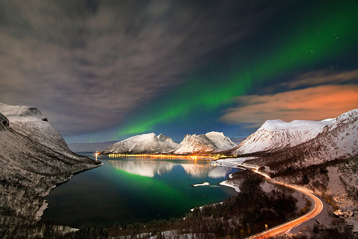 senja norway best for northern light yoga retreat over the mountains